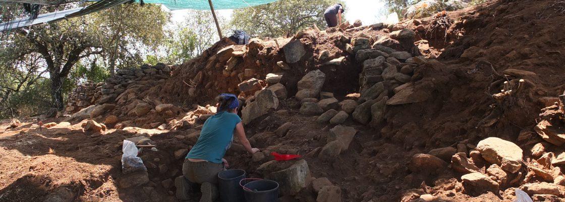 EscavaesarqueolgicasnopovoadodoEscoural_F_0_1598009323.